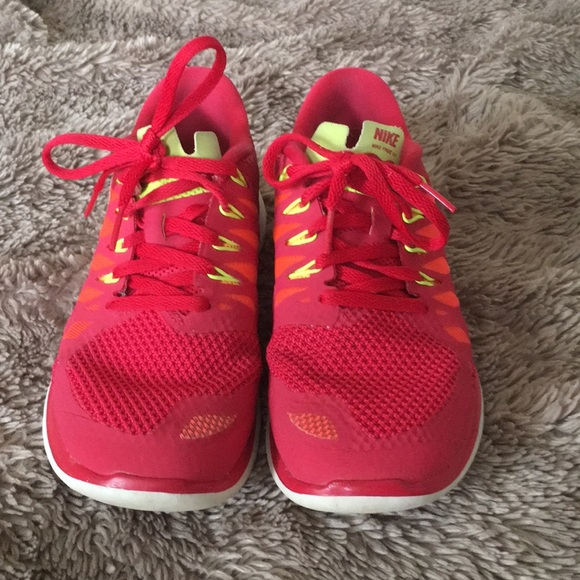 Nike Shoes - NIKE FREE 5.0 pink and orange